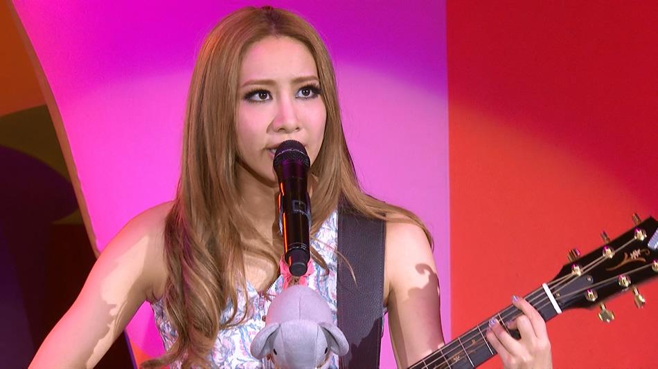 吴雨霏.Kary Ng The Present Concert.香港红馆2013演唱会.34.9G.1080P蓝光原盘