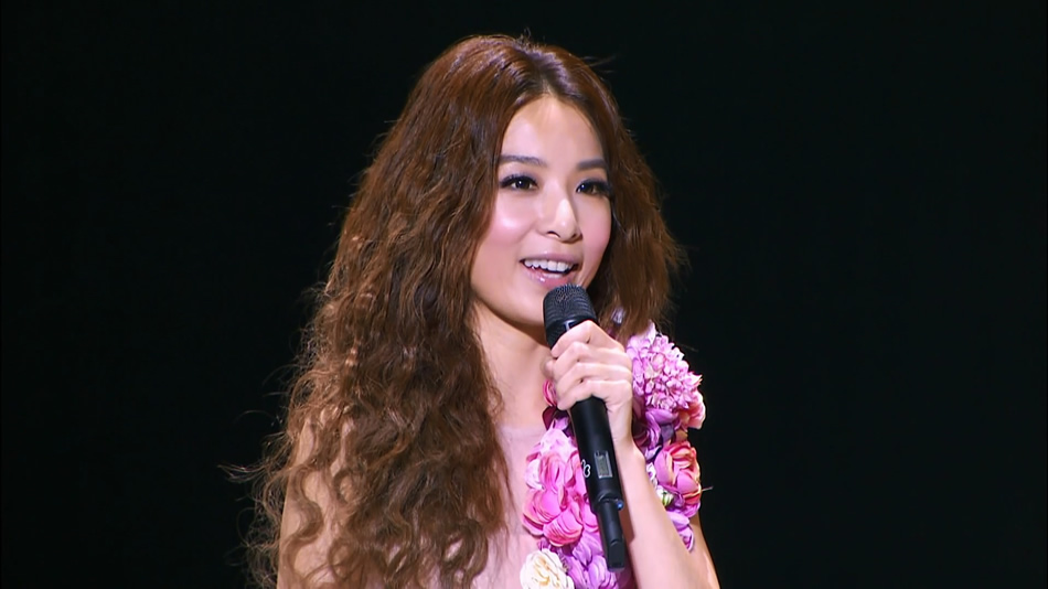 SHE.2gether 4ever 2013.世界巡回演唱会台北旗舰场影音馆.田馥甄.41.2G.1080P蓝光原盘